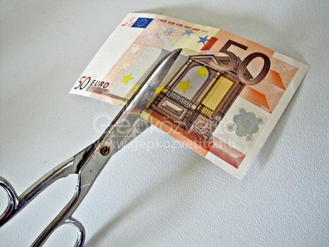 Pénzügyi fegyelem. Csökkentik a közvetlen támogatások mértékét