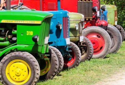 Milyen részekkel rendelkezik egy traktor?