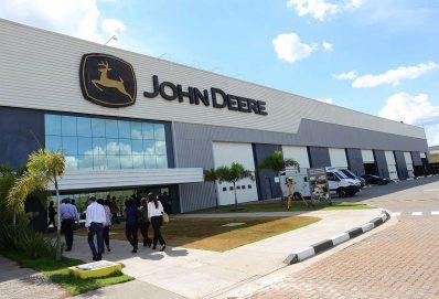 8 nagyszerű John Deere vezető, ugyanazon elvek mentén